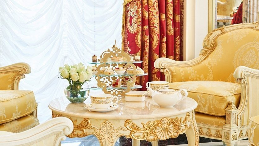 Emerald-Palace-Kempisnki-Dubai-Palm-Jumeirah-008.jpg